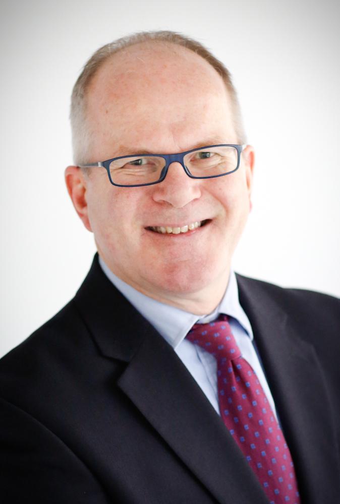 Dr Andy Eynon